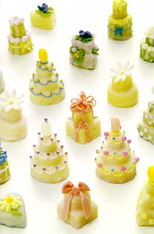 Squealers miniature wedding cakes Recipe from Happy Birthday