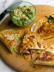 STEAK QUESADILLAS WITH SPINACH AND CARAMELIZED ONIONS AND CHUNKY RANCH ...